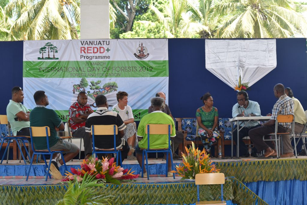 Live FM107 Panel discussion at Malapoa College